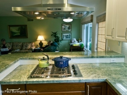 Contrasting Countertops Aid Vision